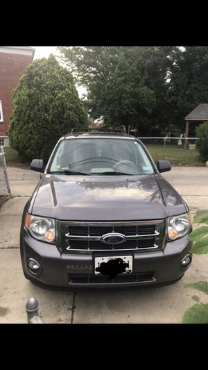 2010 Ford Escape xlt 4D for Sale in Baltimore, MD