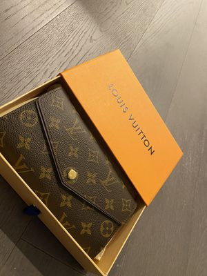 Louis Vuitton Wallet for Sale in Queens, NY