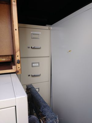 filing cabinet $40 I have three for Sale in Detroit, MI