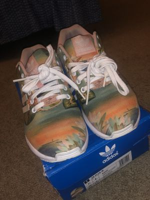 Women's Men's Adidas ZX FLUX size 7.5 / fits 8 women's men's 6/6.5 for Sale in Hyattsville, MD
