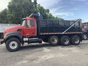 2003 mackcv713 dump truck for Sale in Miami, FL