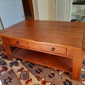 Solid Oak Broyhill Coffee Table And Two Ends Paid $1500 for Sale in Huntington Beach, CA