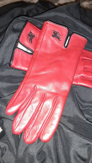 Burberry Ladies gloves. Sz Small for Sale in San Jose, CA