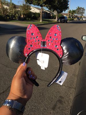 BRAND NEW AUTHENTIC MINNIE MOUSE DISNEY EARS METALLIC SILVER WITH PINK BOW for Sale in San Diego, CA