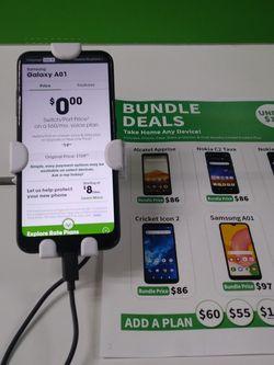 Samsung Galaxy A01 for Sale in Chicago,  IL