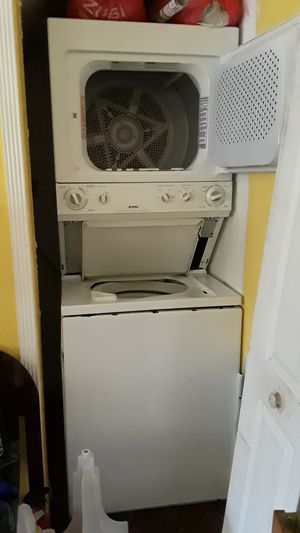 Kenmore/ Frigidare stackable washer/ dryer for Sale in Miami, FL