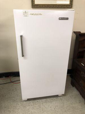 Westinghouse upright Freezer for Sale in Orlando, FL