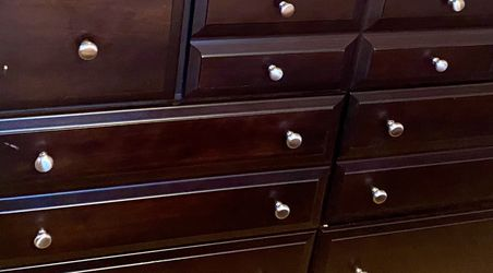 6 drawer Dresser Wood With Mirror for Sale in Philadelphia,  PA