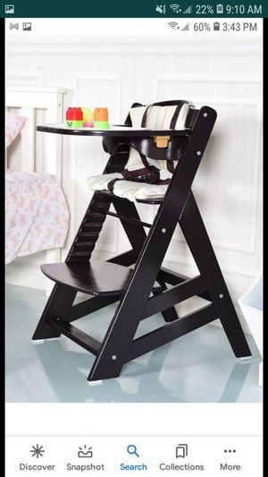 BEAUTIFUL NATURAL WOOD BABY HIGH CHAIR BRAND NEW for Sale in Santa Ana, CA