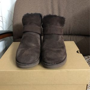 Brown Size 8 Ugg Boots for Sale in West Covina, CA
