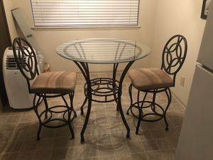 Dining Room Table & Chairs for Sale in Puyallup, WA