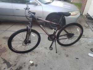 28 inch schwinn bike for Sale in Rosenberg, TX