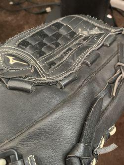 Baseball Glove for Sale in Fullerton,  CA