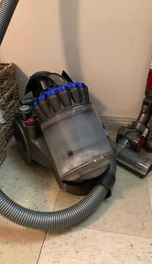Dyson Vacuum Cleaner for Sale in Miami, FL