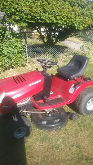 Murray riding lawn mower for Sale in Tacoma, WA