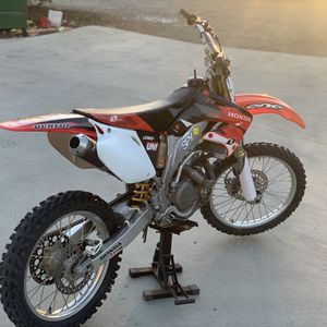 🌟2004 CRF450R🌟all Serviced And Ready To Ride! Pink In Hand for Sale in Perris, CA