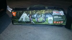 Camping tent for Sale in Glendale, AZ