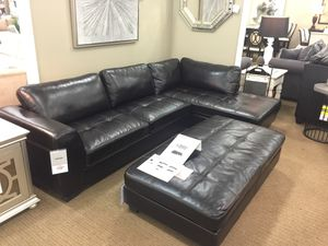 Santana Leather Sectional for Sale in Detroit, MI