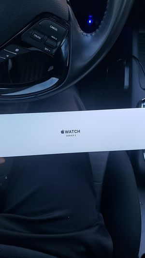 Apple Watch series 3 (basically brand new) for Sale in Houston, TX