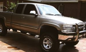 2002 Chevrolet Silverado$1000** has a clean title asking or best offer thanks ** for Sale in South Bend, IN