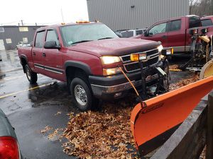 2006 Chevy Silverado 2500HD plow lt for Sale in Ashland, MA