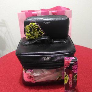 Victoria's secret make-up bag for Sale in Fresno, CA