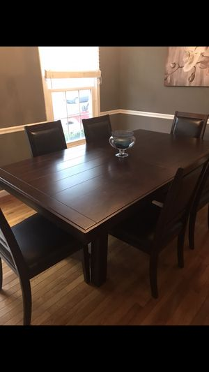 Barely used dining table and 6 chairs. Leaf included for Sale in Sterling, VA