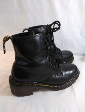 Dr. Martens Doc Women's VINTAGE. Boots black leather size 8 Air Wair Heel size 8 for Sale in Tampa, FL