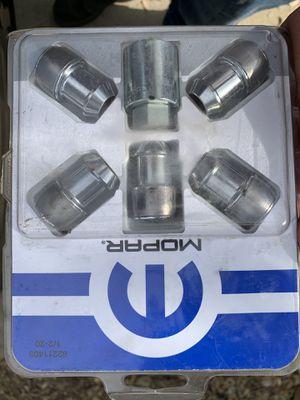 Jeep wheel locks for Sale in Bakersfield, CA