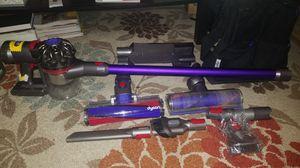 Dyson V7 Motorhead Pro Exclusive vacuum for Sale in Hayward, CA