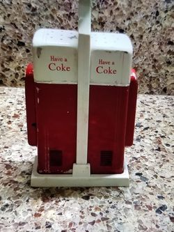 Vintage Coca Cola Salt & Pepper Shakers for Sale in Rancho Cucamonga,  CA