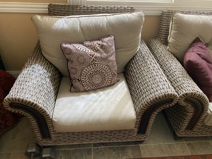 Outdoor Patio Furniture (Almost New Condition) for Sale in Sugar Land, TX