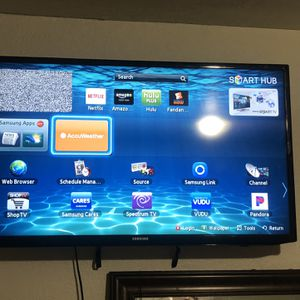 Samsung Smart TV 40 Inch for Sale in Fontana, CA