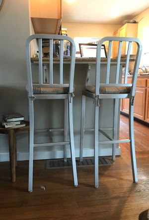 2 bar top chairs with cushions for Sale in Seattle, WA