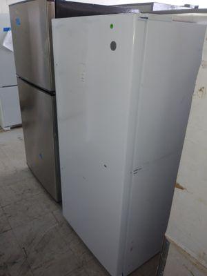 GE Upright 14.1 cu ft Freezer for Sale in Fort Lauderdale, FL