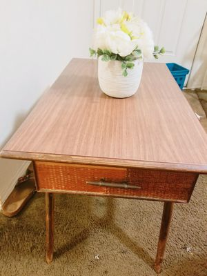 Cute wood coffee table! for Sale in Orange, CA
