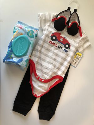 Baby Bundle- Baby Boy Outfit/Pampers Wipes for Sale in Calumet City, IL