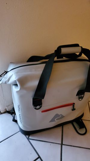 Ozark Trail 30 can leak tight thermo cooler for Sale in Phoenix, AZ