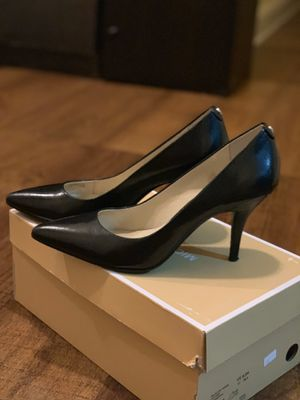 Michael Kors shoes size 8 for Sale in Queens, NY