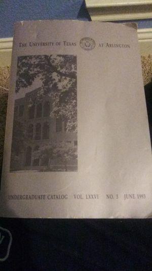 UTA Undergraduate Catalog Vol. LXXVI MINT CONDITION 1993 for Sale in Irving, TX