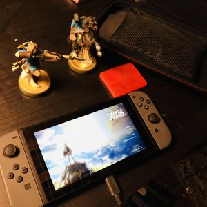 Switch w/ Zelda and Amiibos for Sale in Seattle, WA