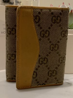 Gucci trifold wallet for Sale in Jersey City, NJ