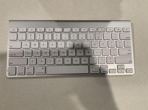 Apple keyboard wireless for Sale in Los Angeles, CA