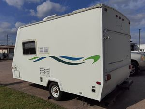 2004 Keystone cabana with two pop outs travel trailer 17.1 foot sleeps 6 AC nice and clean for Sale in Houston, TX