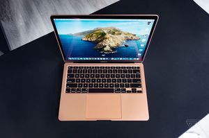 MacBook Air 2020 for Sale in New York, NY