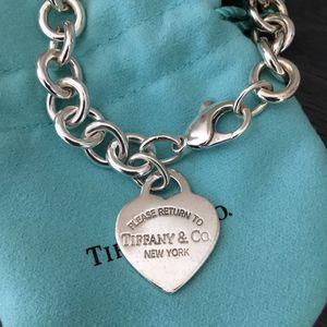 Tiffany & Co. Return To Tiffany Heart Charm Bracelet for Sale in Austin, TX
