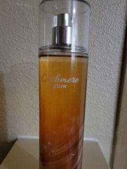 Bath & Body Works Cashmere Glow Perfume for Sale in Milton,  WA