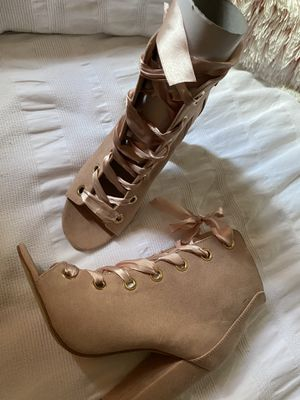 4 in. Soft Pink JUSTFAB Suede Heels with Silk Laces for Sale in Inglewood, CA