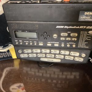 Zoom rhythm track RT223 drum machine for Sale in Chester, VA