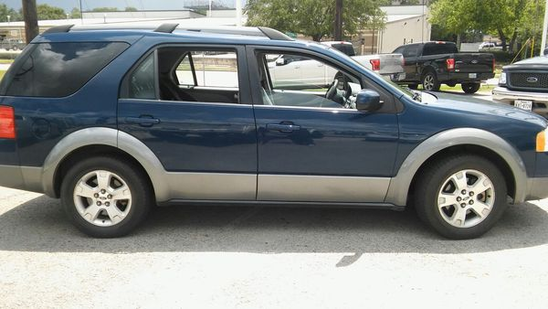 2006 Ford Freestyle SEL V6 for sell!